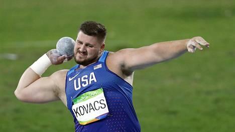 Joe Kovacs työnsi olympiahopeaa Riossa.