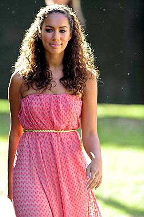 Leona Lewis osallistui keskiviikkona Nelson Mandelan syntymäpäiväillalliselle.