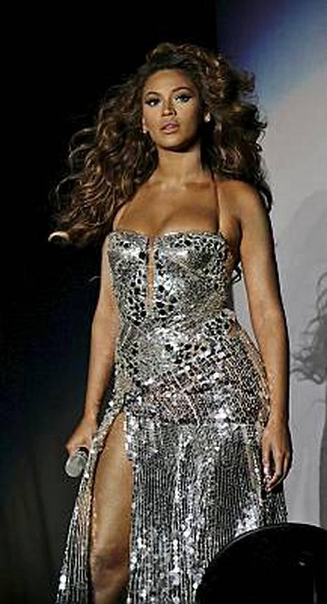 Beyonce Knowlesin keikkakiertuetta pyöritetään naisvoimin.