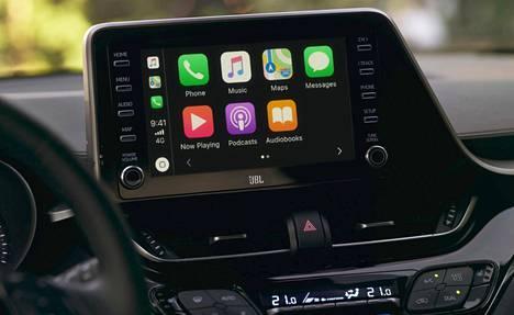 Kosketusnäytön takaa löytyy nyt vihdoin myös Apple CarPlay -toiminto.