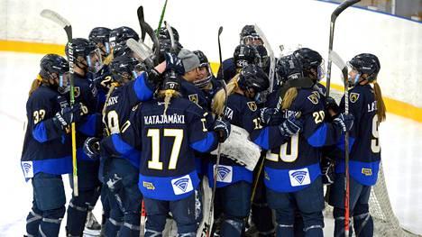 Kiekko-Espoo voitti ensimmäisen naisten SM-liigan finaalin.