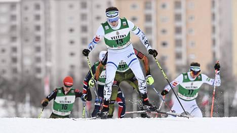 Eero Hirvonen on maailmancupin kokonaistilanteessa kahdeksantena.