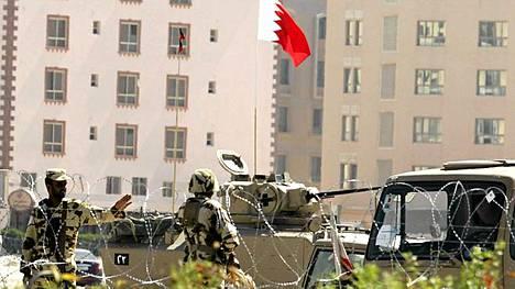 Bahrainin asevoimat on vetänyt pois joukkonsa pääkaupungin Manaman keskusaukiolta.