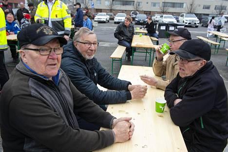 Paavo Miettinen, Reino Springare, Erkki Koskela ja Alpo Juntunen uskovat lujasti, että Metsä Groupin Kemin suunnitelmat toteutuvat.