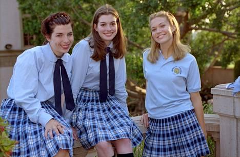 Mandy Moore (oik.) esitti Lilyn ja Mian koulukaveria Lanaa.