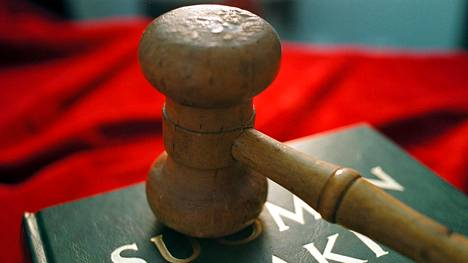 Australialaisen tuomioistuimen mukaan suomalaisen miehen viisumin peruuttaminen ja karkotus olivat väistämättömiä, sillä hänet oli jo aiemmin tuomittu vastaavista rikoksista vuonna 2017.