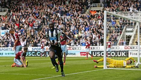 Moussa Sissoko puski Newcastlen 1–0-maalin.