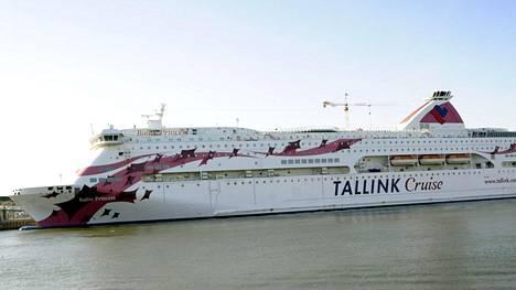 Tallink Silja kertoo, että nainen löydettiin hyttisiivouksen yhteydessä.