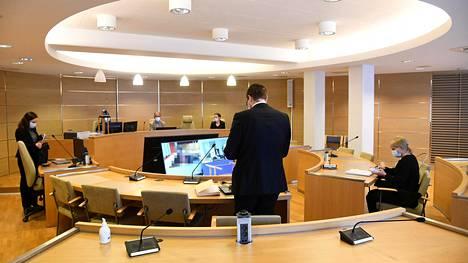Asia käsittely alkoi Pohjanmaan käräjäoikeudessa tiistaina. Oikeus kuulee syytettyjä videoyhteyden välityksellä.