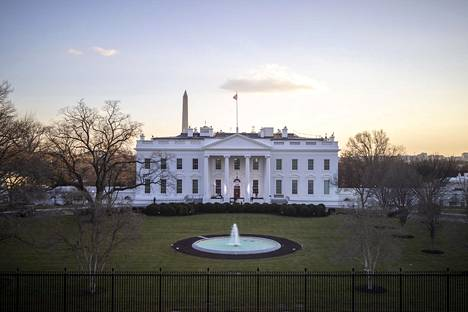 Valkoisessa talossa puhaltavat uudet tuulet myös sähköisesti.