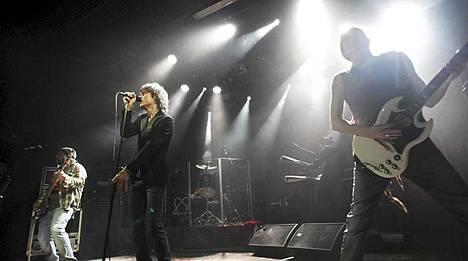 Ville Valo bändeineen teki yhteistyötä levy-yhtiön kanssa kuusi vuotta.