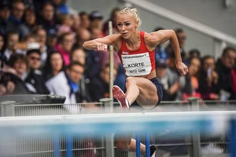 Annimari Korte teki heinäkuussa 100 metrin aitojen uuden SE-tuloksen 12,72. Kuva Lappeenrannan Kalevan kisoista perjantailta.