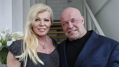 Tiina Jylhän ja Tape Valkosen perhe-elämää päästään seuraamaan 3. toukokuuta lähtien Frii-kanavalla.