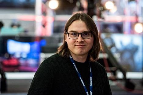 Juho Nieminen järjestää peliturnauksia Suomessa.