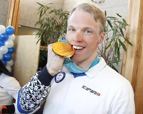 Iivo Niskanen voitti 50 kilometrin olympiakultaa Etelä-Koreassa.