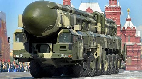 Venäjän Topol-M -mannertenvälinen ydinohjus.