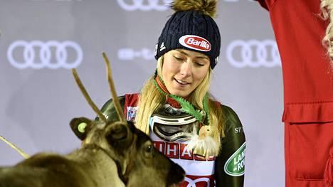Mikaela Shiffrin palasi rinteisiin Levillä.