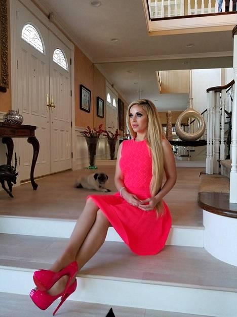 Marcela Iglesias kutsuu itseään Hollywoodin kuningattareksi.