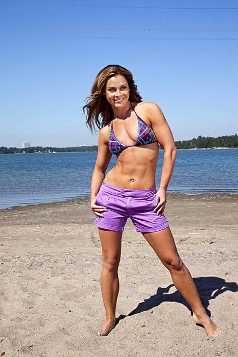 Kuvassa urheilumallina töitä tehnyt Elina Tervo IS:n kuvauksissa vuonna 2011.