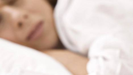 Havainnot osoittavat unihäiriöiden olevan hyvin yleisiä aivoverenkiertohäiriön sairastaneilla.