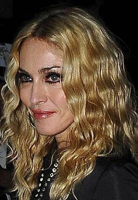 Madonna omisti Rooman-konsertissaan kappaleen Like A Virgin suoraan paaville.