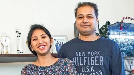 Hazera ja Ashfaqur menivät naimisiin Dhakassa keväällä 2008. 5-vuotias Arham saa toukokuussa pikkusiskon tai -veljen.