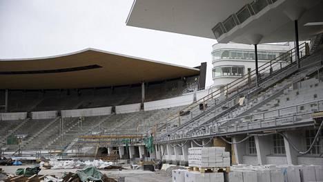 Remontoitu Olympiastadion avautuu ensi elokuussa. Kuva huhtikuun lopulta 2019.