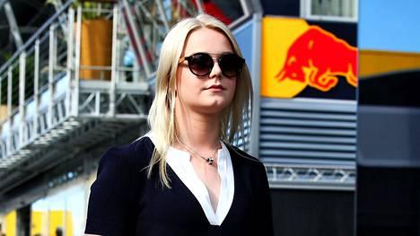 Emilia Bottas kuvattiin F1-varikolla lauantaina 13. toukokuuta.