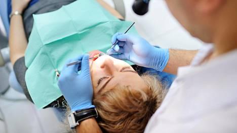 Hoitamaton suu saattaa olla suuri riski ihmisen yleisterveydelle.