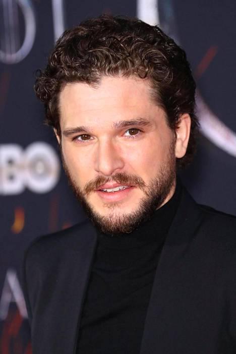 Fanit jäävät kaipaamaan Jon Snown partaa.