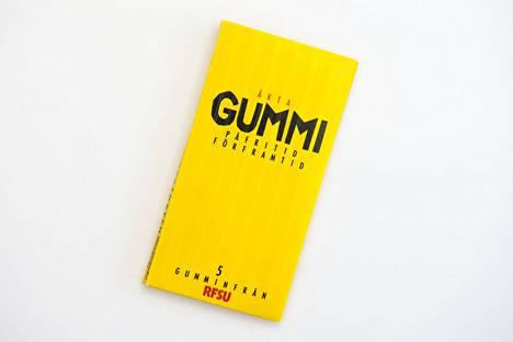 Aito kumi – kostea muotoiltu kondomi + esite Neuvoja rakkaudella. Myyntiin vuonna 1988.