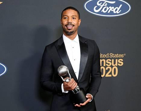 Michael B. Jordan nappasi pystin NAACP Image Awards -gaalassa.