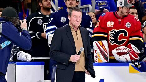Wayne Gretzky on jääkiekon suurimpia ikoneja. Kuvassa Gretzky NHL:n All Stars -tilaisuudessa tammikuussa.