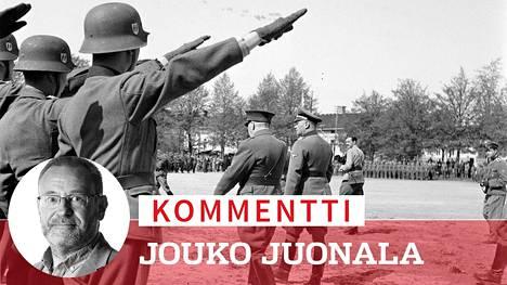 Kenraaliluutnantti Lauri Malmberg ja SS-kenraali Felix Steiner (oik.) tarkastivat suomalaisen SS-pataljoonan sen kotiuduttua kesäkuun alussa 1943.