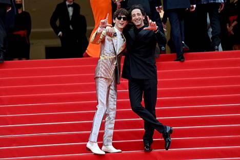 Timothée Chalamet ja Adrien Brody tämän vuoden Cannesin elokuvajuhlilla.
