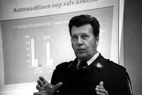 Sven-Olof Hassel vuonna 1993.