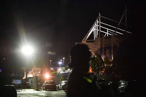 Helikopteri syöksyi maahan aivan Leicesterin stadionin viereen.