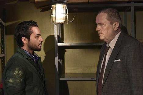 Näyttelijät Sherwan Haji (vas.) ja Sakari Kuosmanen elokuvan kuvauksissa.