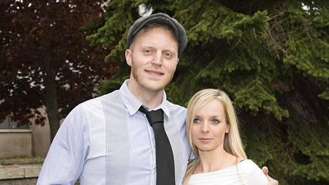Koop Arponen perusti vaimonsa kanssa perheen.