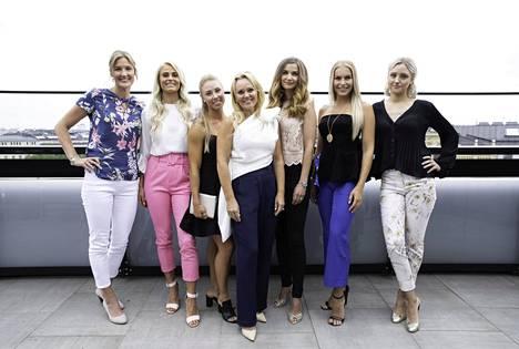 Lätkä Lovessa nähdään Emilia Nyström, Lotta Harala, Miia Säilä, juontajana Sirpa Selänne, Karoliina Lindgren, Alina Voronkova ja Jonna Koskiranta.