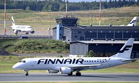 Suoria vaikutuksia hallituksen koronapäätöksillä ei ole Finnairin tulevien lentojen määriin, vaan niitä karsitaan yhtiön aiemman tiedotuksen mukaisesti syyskuussa ja lokakuussa.