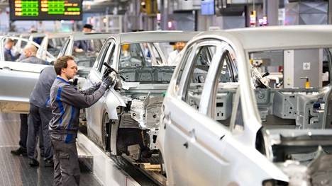 Siruja käytetään autoissa jarrutunnistimista ohjaustehostimeen sekä viihdejärjestelmiin.