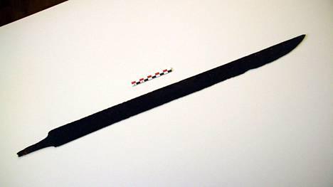 Viikinkimiekka noin vuodelta 750.