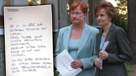 Pääministeri Anneli Jäätteenmäki jätti eroanomuksensa presidentti Tarja Haloselle Kultarannassa kesäkuussa 2003.
