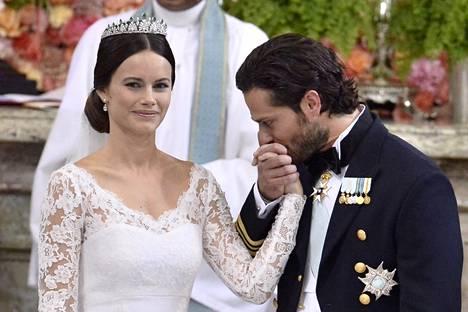 Carl Philip ja Sofia avioituivat 13. kesäkuuta.