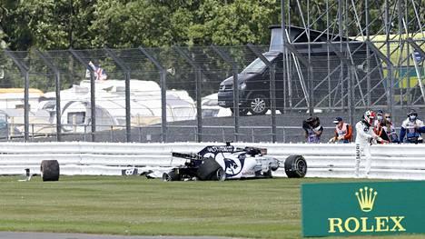 Venäläiskuski Daniil Kvjat koki kovia Silverstonessa.