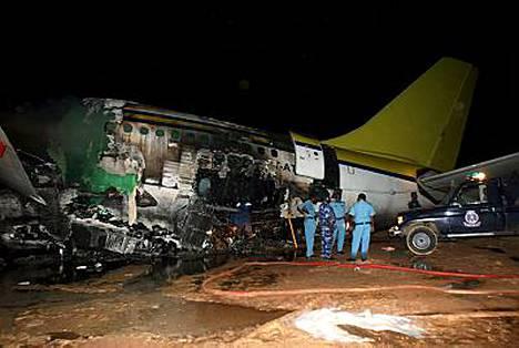 Viranomaisten mukaan Sudanin lento-onnettomuudessa on kuollut ainakin 29 ihmistä kaikkiaan reilusta 200 matkustajasta.