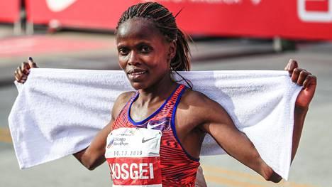 Brigid Kosgei juoksi uuden naisten maratonin ME-ajan.