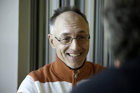 Kyösti Lampinen työskentelee Sami Hyypiä Akatemian johtajana.