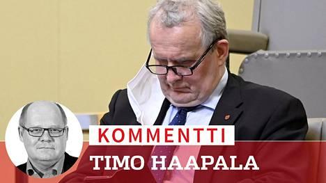 Toisinajattelijan tie: Keskustan Hannu Hoskonen äänesti EU:n elpymispakettia vastaan ja sai potkut ympäristövaliokunnan puheenjohtajan paikalta.
